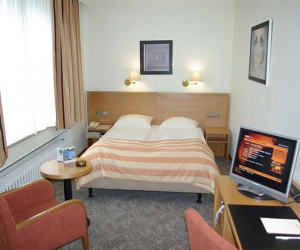 Lady Astor Deluxe Twin Room